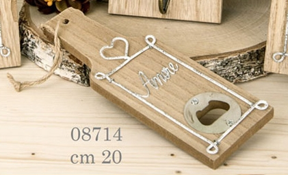 Apribottiglia in legno tema amore 08714
