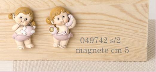 Magnete bimbe in resina rosa 049742